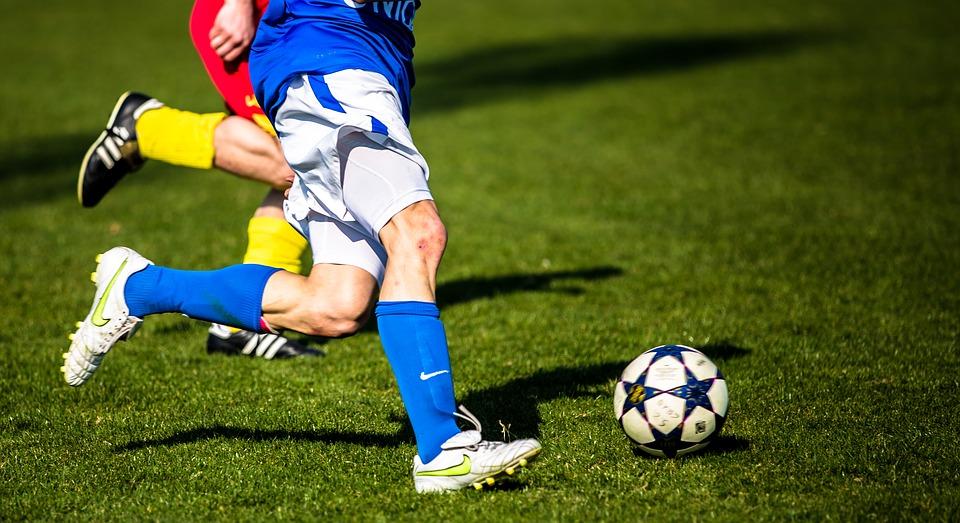 Stort udvalg af fodboldstøvler fra Nike og Adidas